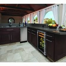 U Line 1175BEVSS-15 1000 Series 24in Beverage Center 5.6 Cu. Ft. with 65 Cans and 16 Wine Bottles
