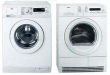 AEG Lavamat L71400 24in 7KG Washer AND AEG Lavamat T76280IC 8KG Electric Condensing Dryer
