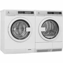 Electrolux EIFLS20QSW 24in Steam Washer 2.4 Cu.Ft, EIED2CAQSW Electric Condensing Dryer 4.3 Cu.Ft